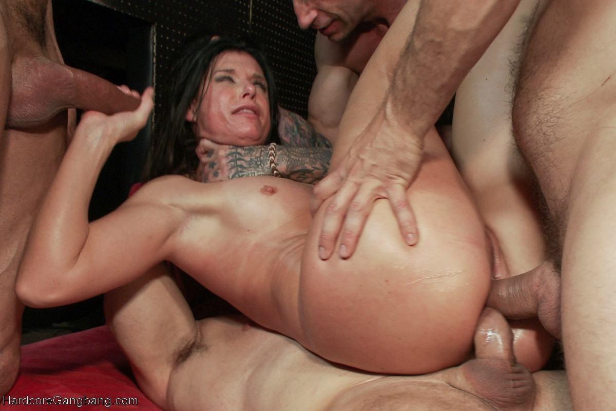 Жесткий грубый больный анальный секс