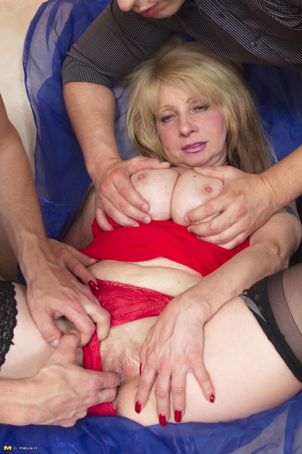 Секс втроем - Галерея № 3547405