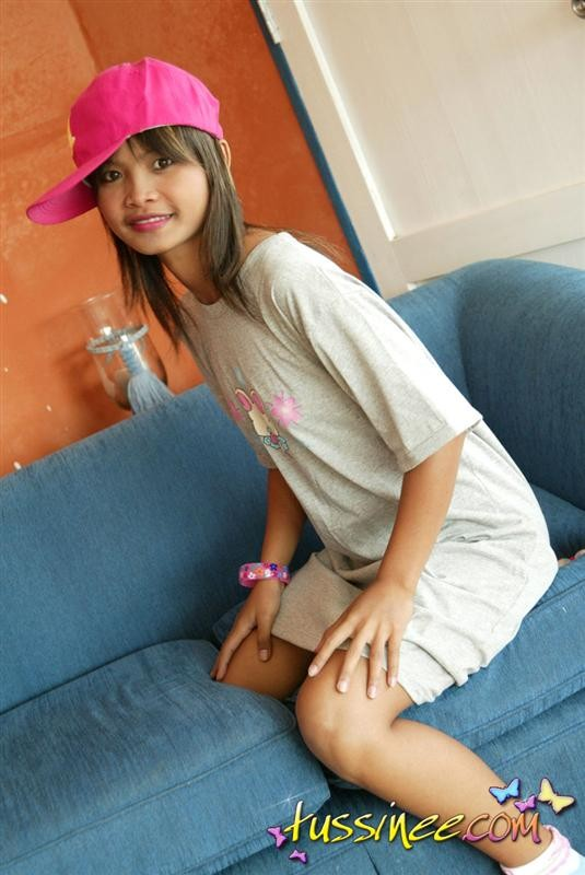 Young teen girl bbs