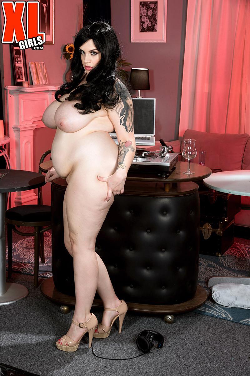 Marilyn Mayson - С тату - Порно галерея № 3522853