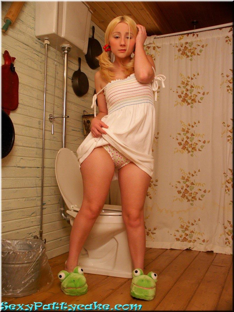 Sexy Pattycake - В туалете - Галерея № 1334215