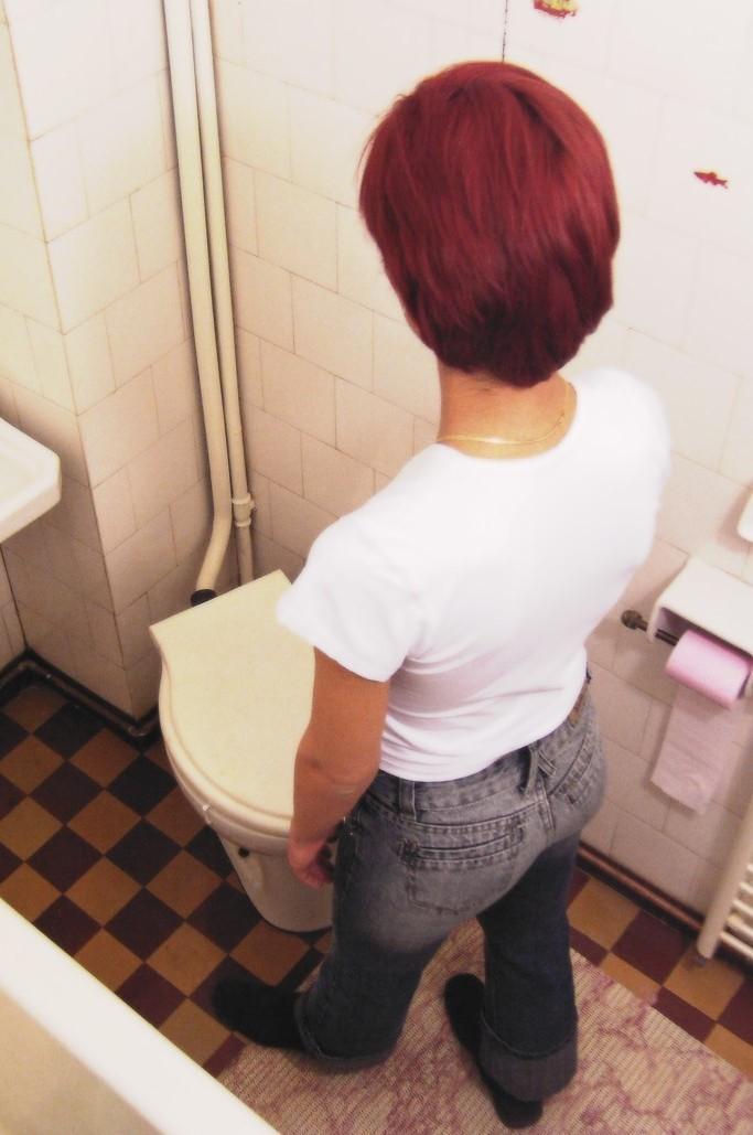 В туалете - Порно галерея № 1153006