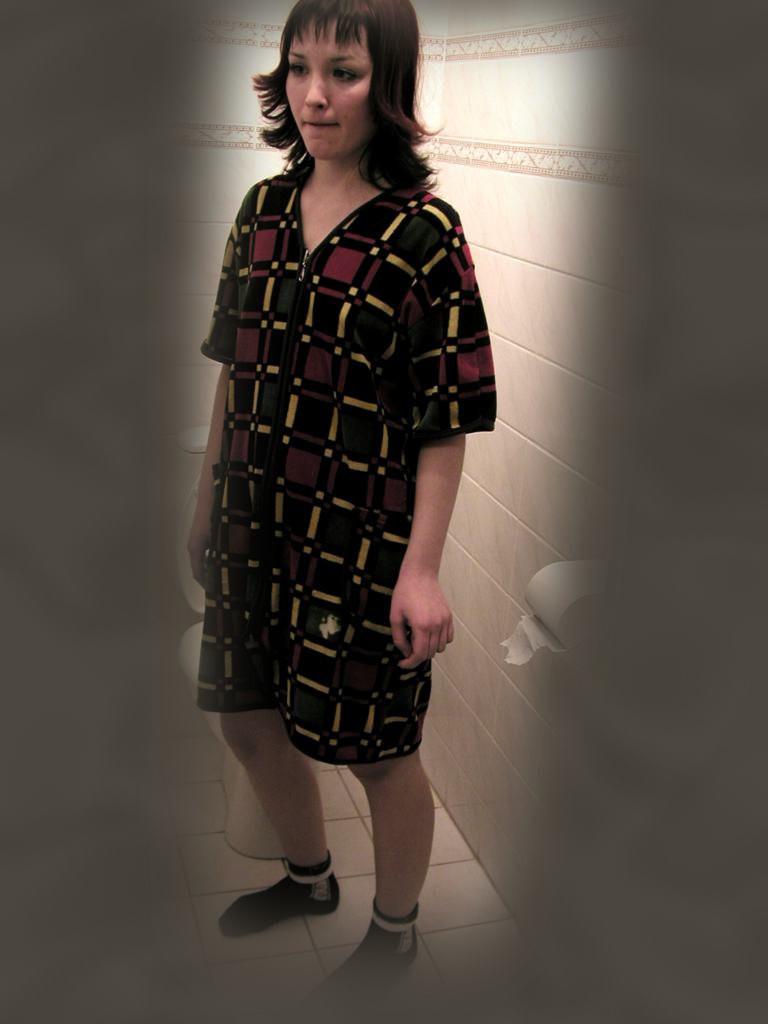 В туалете - Порно галерея № 1283523