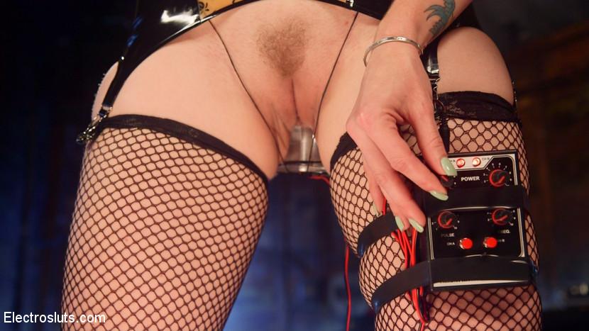 Ella Nova, Bella Rossi - Секс игрушки - Галерея № 3511525