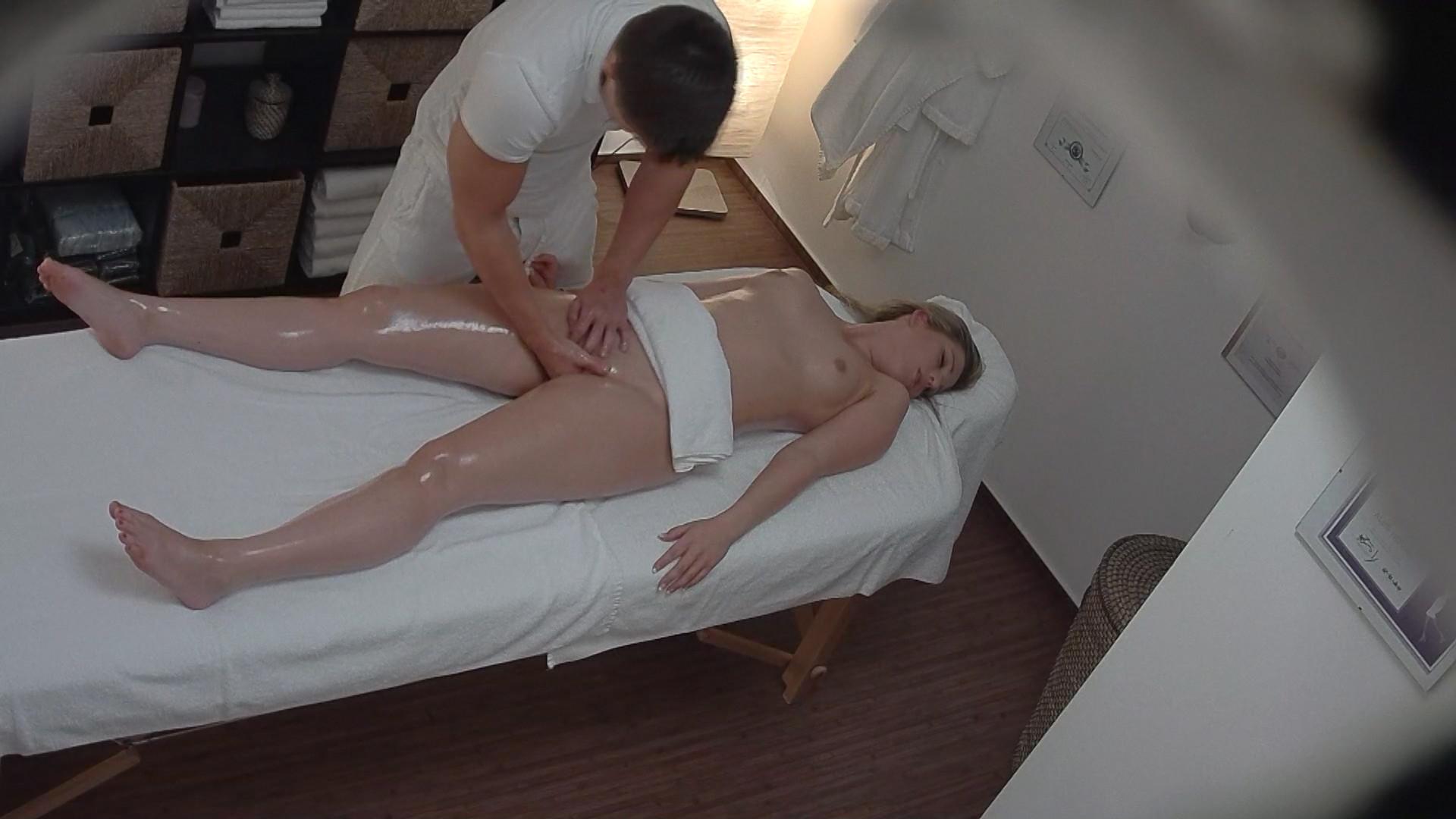 massazhist-chehiya-seks