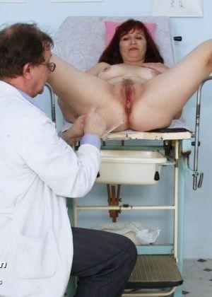 razvratniy-vrach-ginekolog-soset-sisyu-kak-svyazat-muzhchinu-dlya-sado-mazo