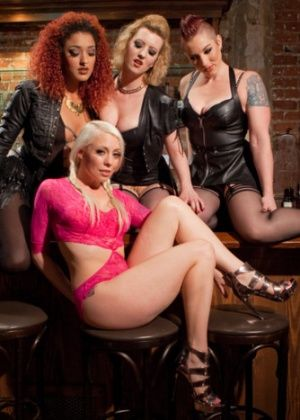 Cherry Torn, Lorelei Lee, Mistress Kara, Daisy Ducati - Фистинг - Порно галерея № 3523859