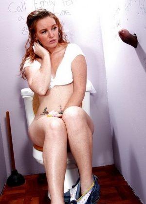 Сосание маленьких сисек порно видео