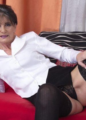 Порно галерея трахают зрелых155