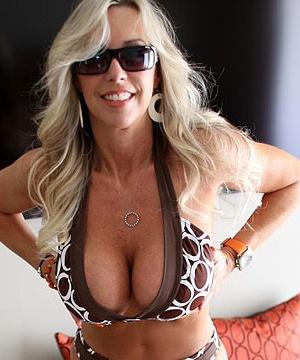 Огромные сиськи порно фото галирея