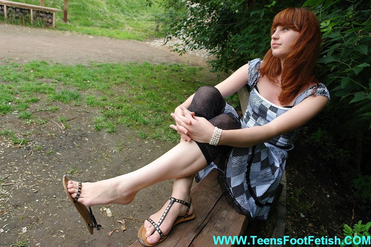 Ножки и ступни девушки - сет 003