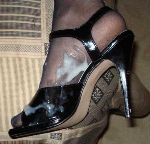 Сперма на ножках в обуви на каблуках - подборка 005