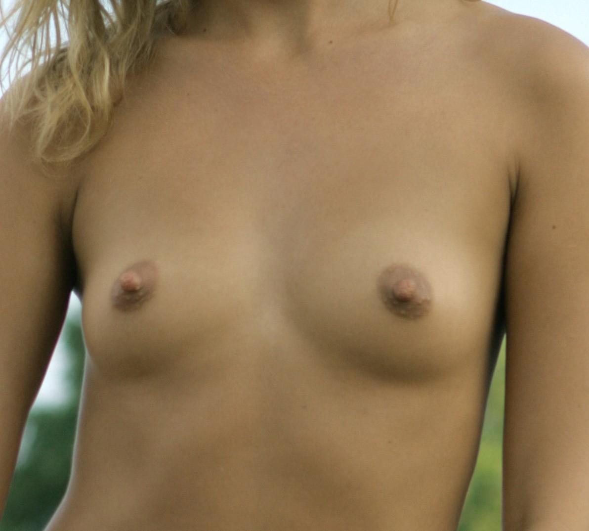 Маленькая грудь милфы Катерины