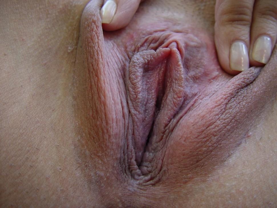 Прекрасная индианка показывает вагину