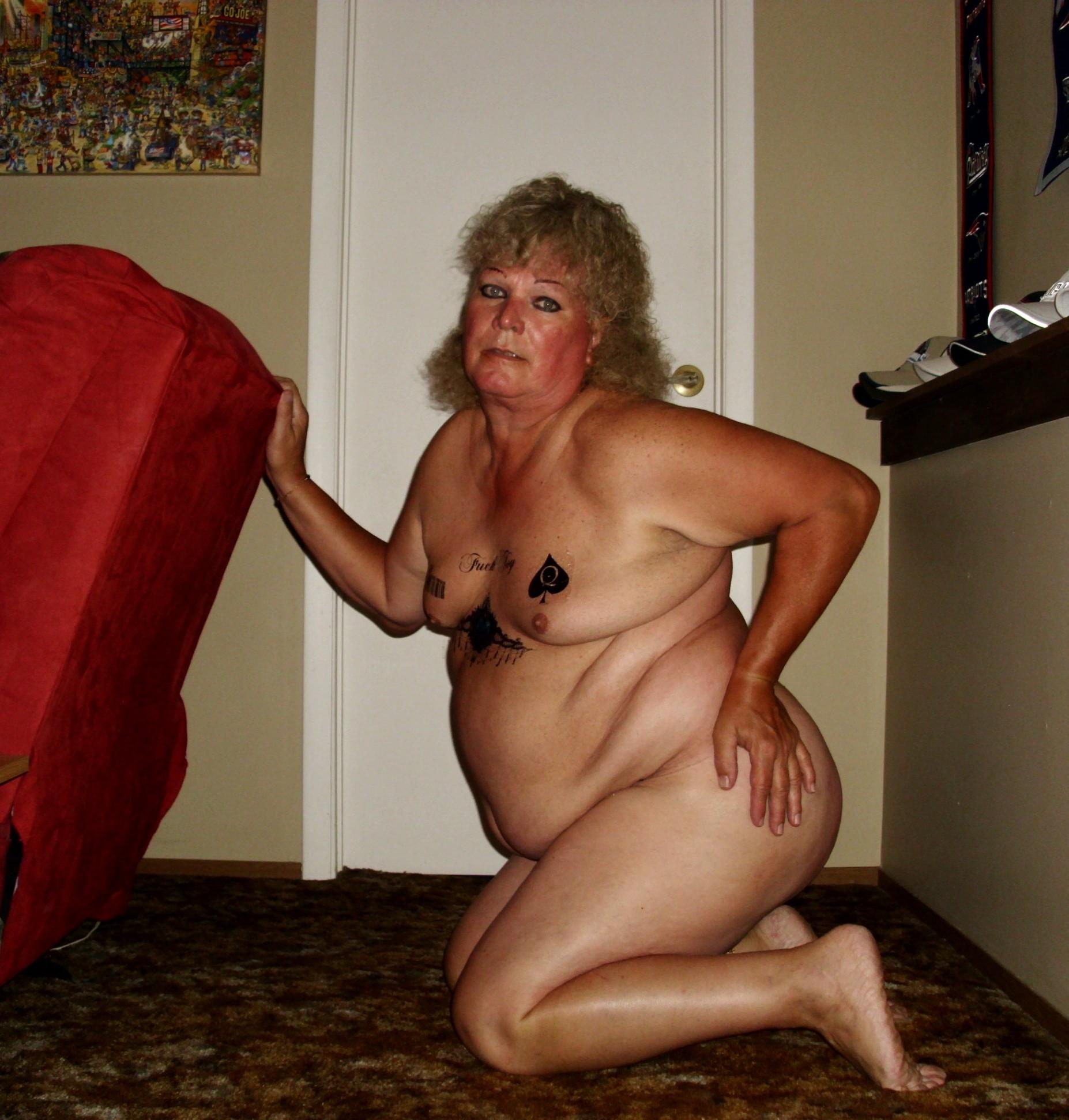 Пожилая толстячка мечтает о крупном черном хуе