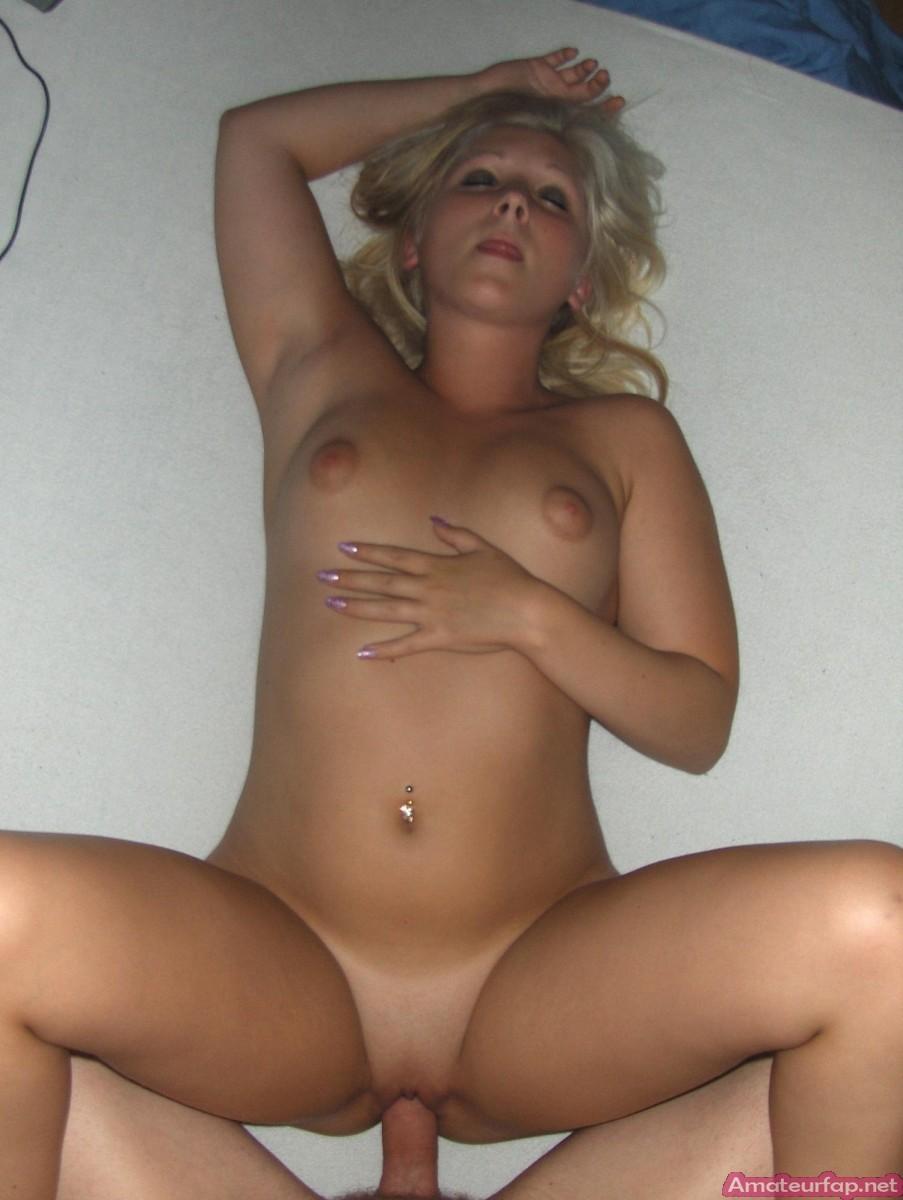 domashnee-porno-foto-blondinok