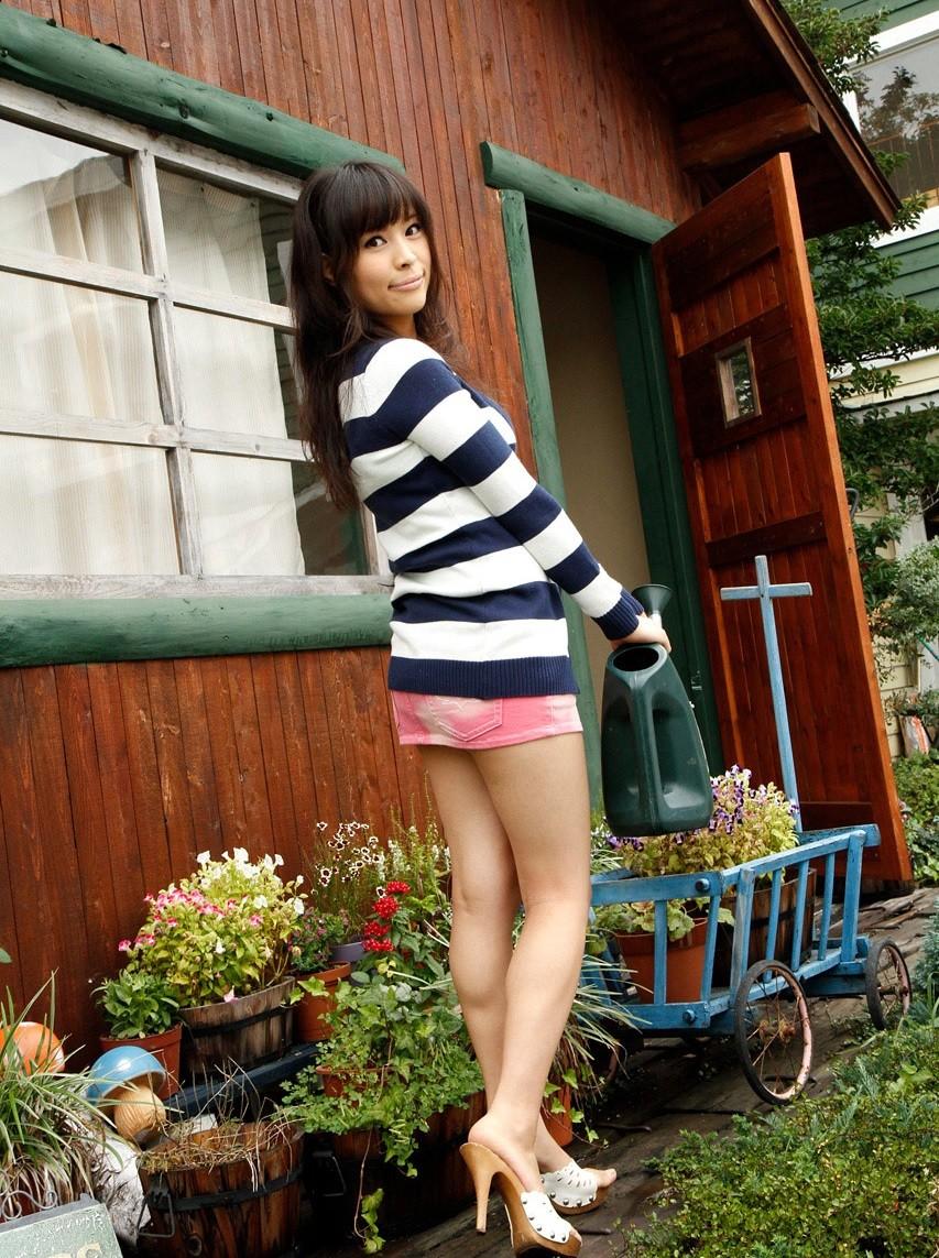 Kyoko Maki не только позирует голая