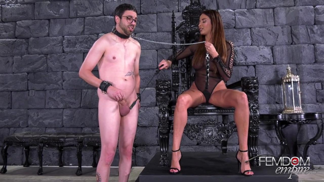 Anissa Kate доминирует над мужчиной