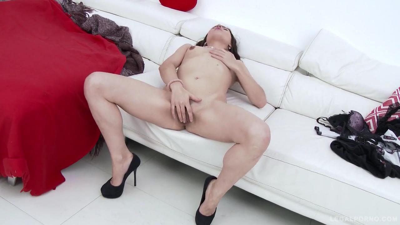 Прут тремя членами русскую модель Erika Korti