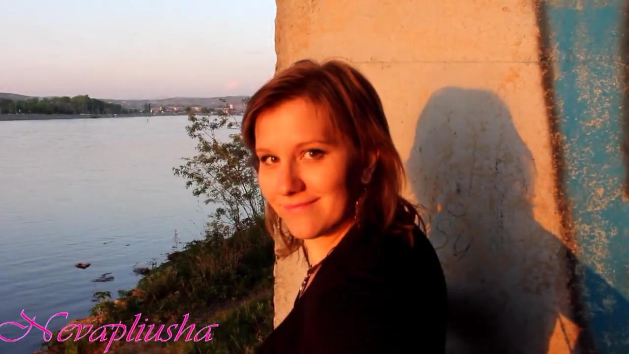 Русская девушка пососала под мостом