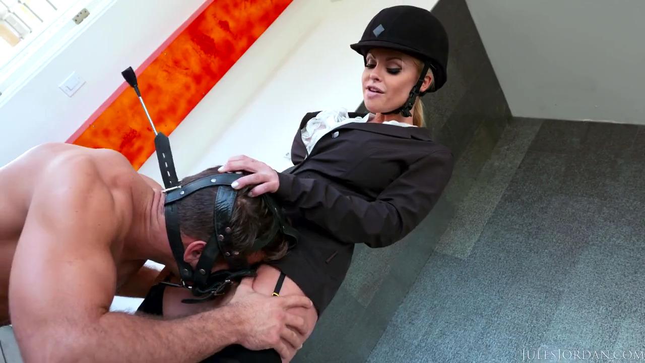 Альфа самка Jesse Jane и ее сексуальный раб